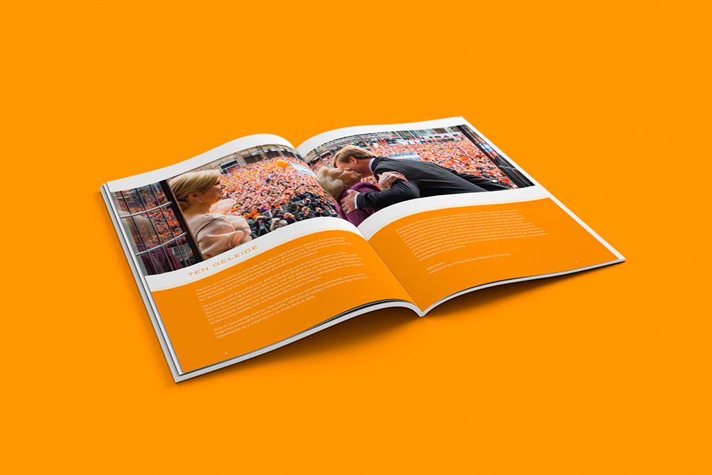 het koninklijk huis annual report brochure spread